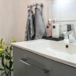 JTS Rörservice renoverar badrum i segeltorp – handfat i liten toa
