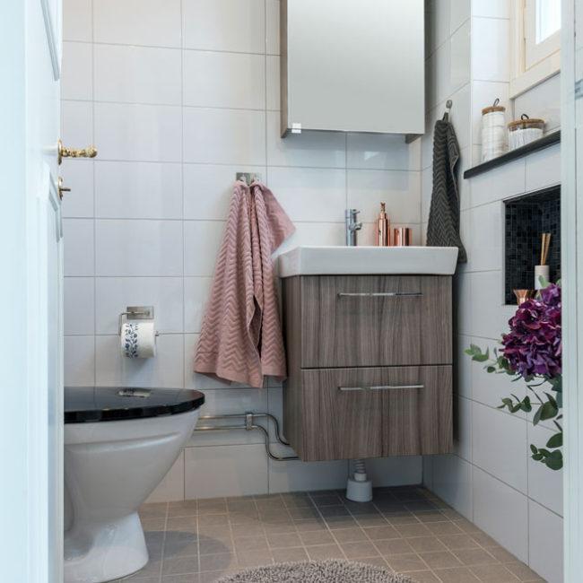 JTS Rörservice renoverar badrum i Nacka – liten toa