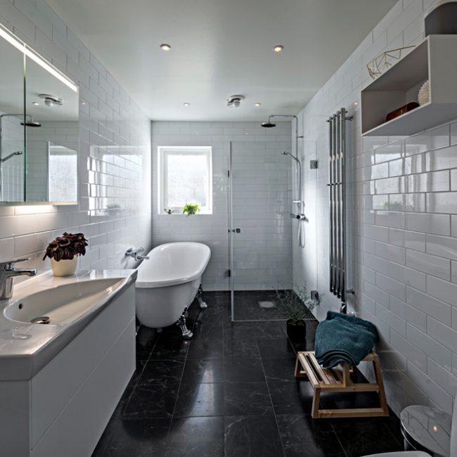 JTS Rörservice renoverar badrum i Nacka – Badrum med dusch och badkar